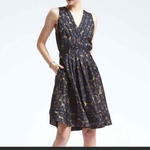 NWT Banana Republic Floral Pleated Dress size 8